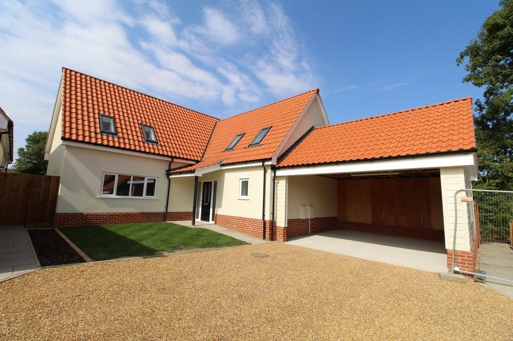 3 Bedrooms Detached House for sale in Dennington Road, Framlingham, Suffolk