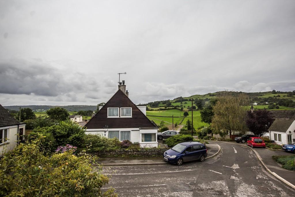 3 Bedrooms Semi Detached House for sale in 8 Hillgarth, Underbarow. LA8 8HN