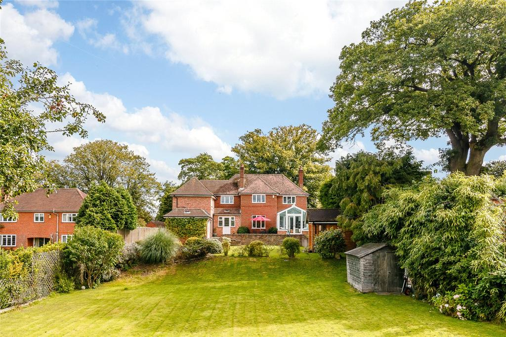 5 Bedrooms Detached House for sale in Newtown Road, Newbury, Berkshire