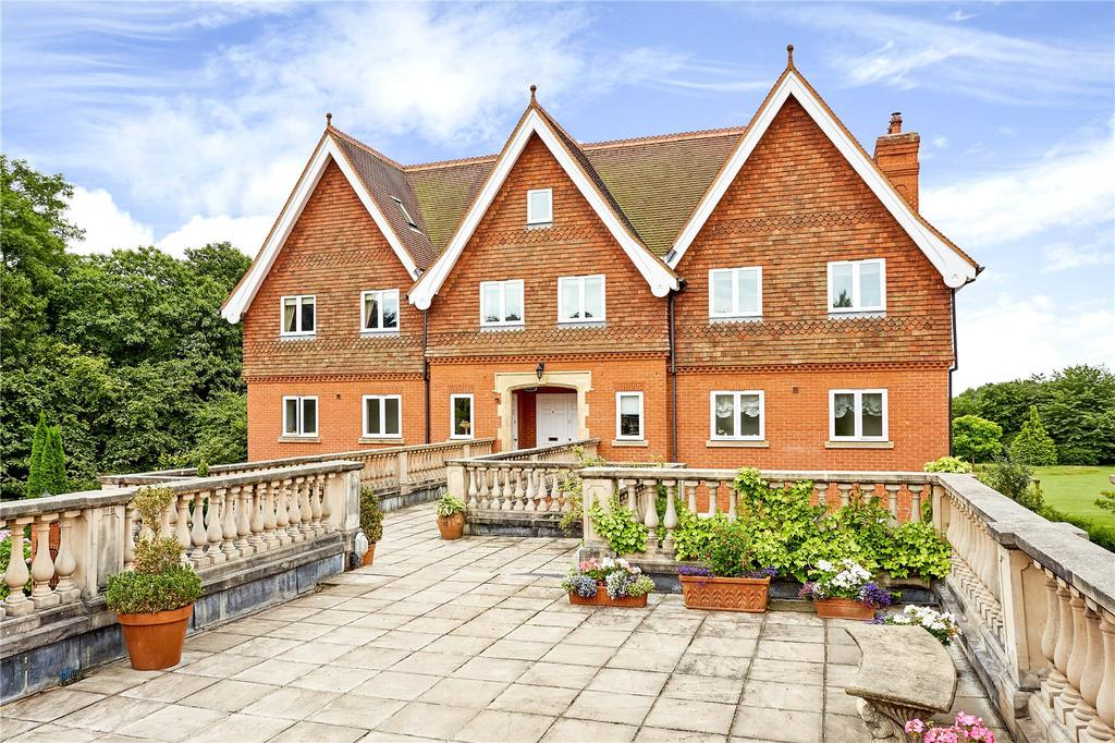 2 Bedrooms Flat for sale in The Coach House, Springwood Park, Tonbridge, Kent, TN11