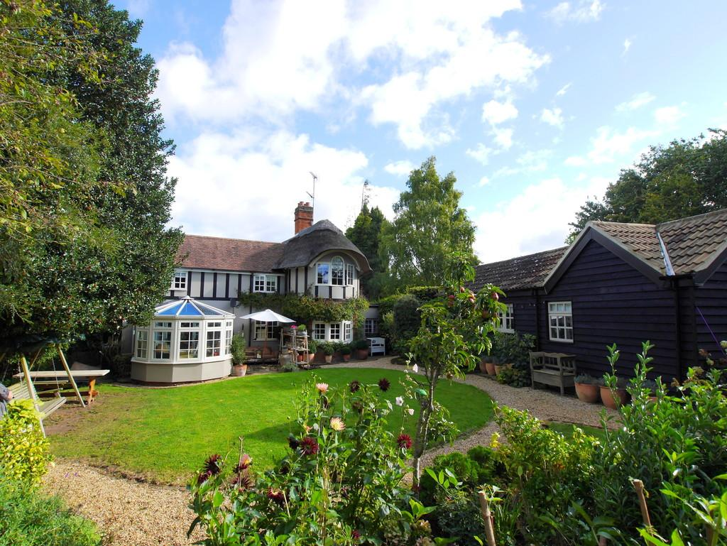 3 Bedrooms Detached House for sale in The Lodge, Church Hill, Burstall, Ipswich, Suffolk, IP8 3DU