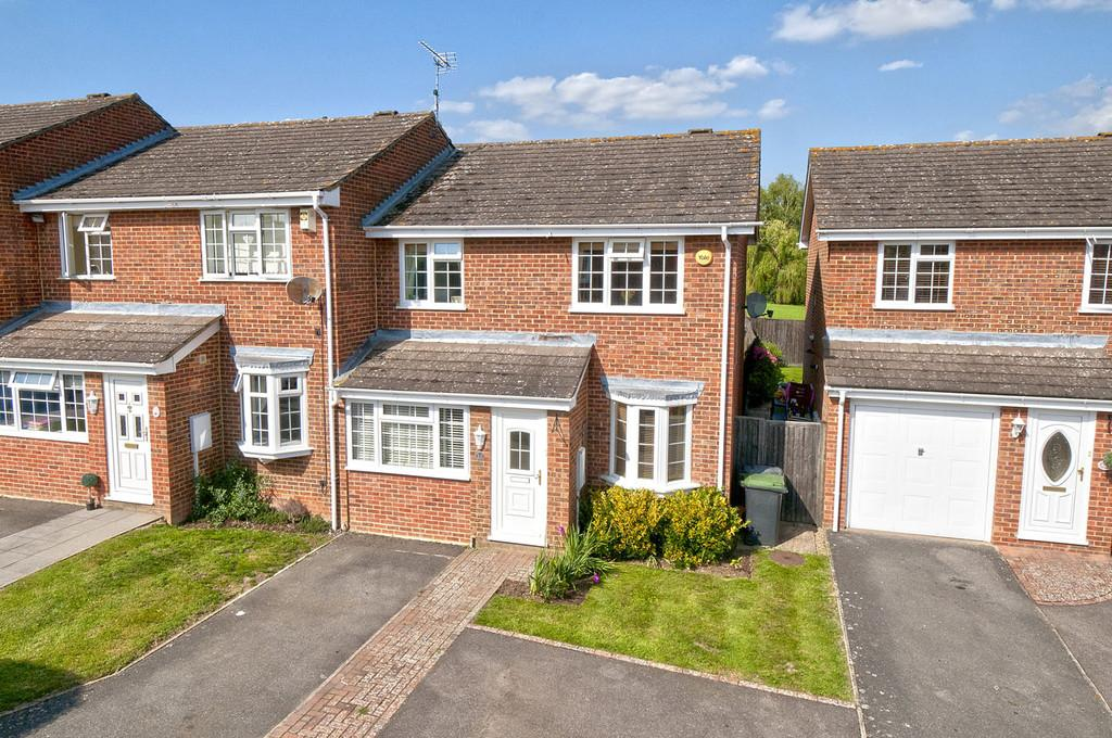 3 Bedrooms End Of Terrace House for sale in Waterside Mews, Wateringbury