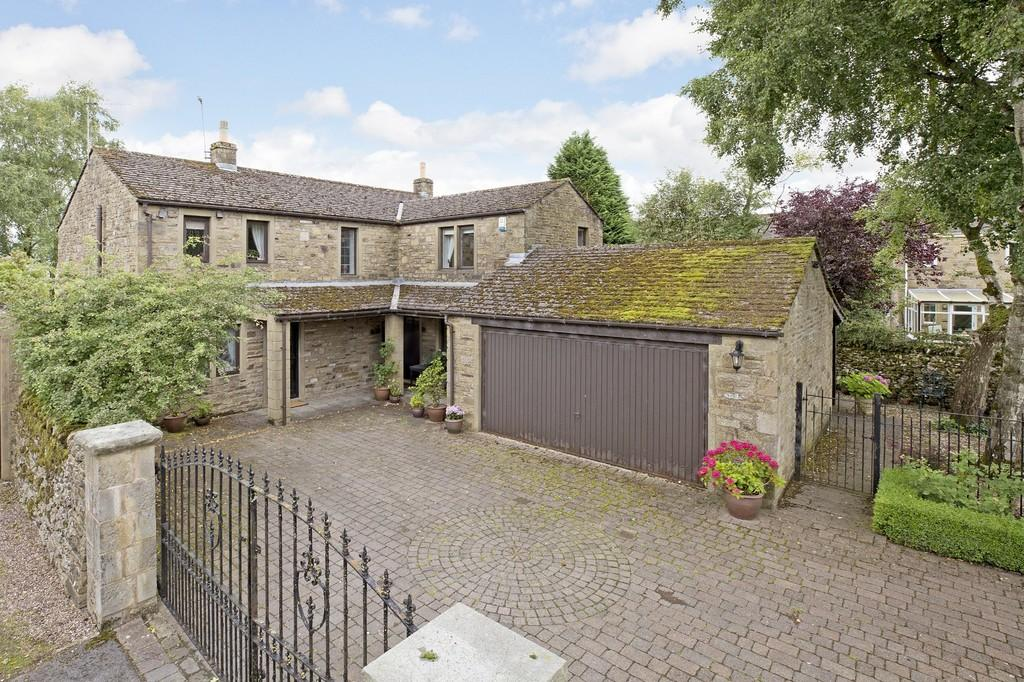 3 Bedrooms Detached House for sale in Wharfeside Avenue, Threshfield