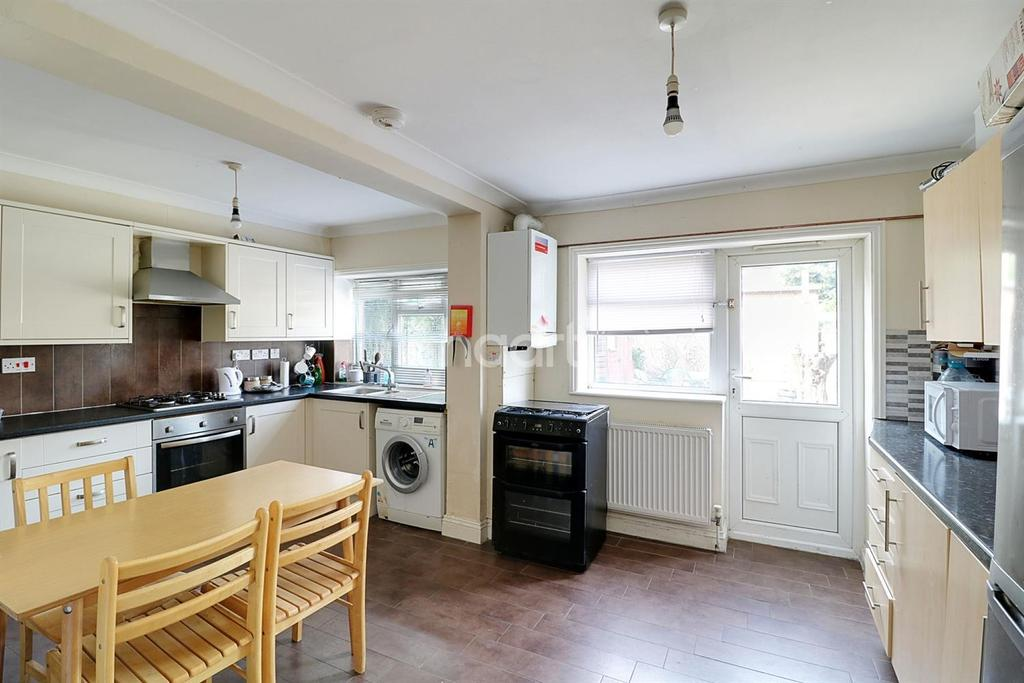 5 Bedrooms Terraced House for sale in Woodside Road, Wood Green, N22