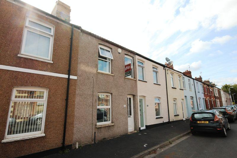 3 Bedrooms Terraced House for sale in Andrews Road, Llandaff North