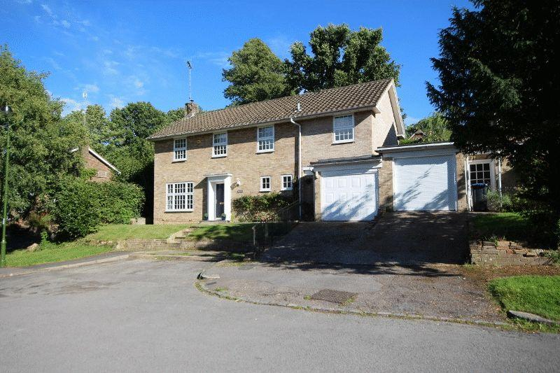 5 Bedrooms Detached House for sale in Chillis Wood Road, Haywards Heath