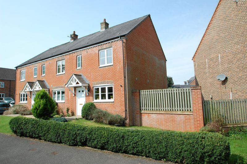 2 Bedrooms End Of Terrace House for sale in Gammon Close, Petersfield, Hampshire