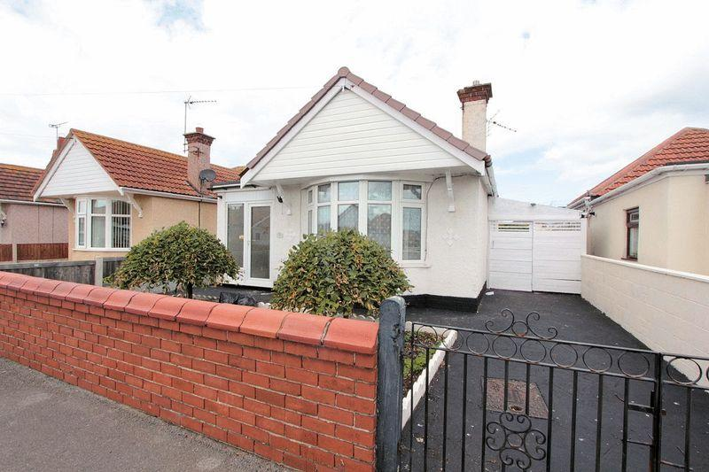 3 Bedrooms Detached Bungalow for sale in Knowles Avenue, Rhyl