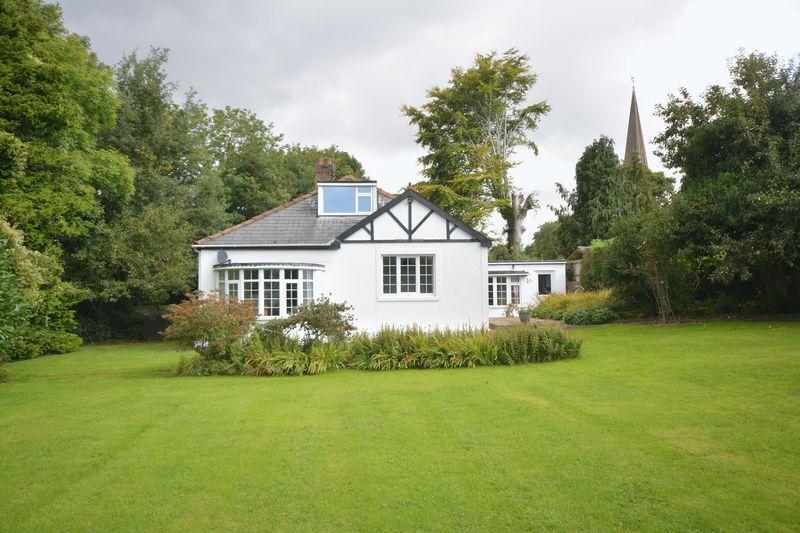 4 Bedrooms Detached House for sale in Merthyr Mawr Road, Bridgend