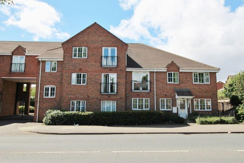 2 Bedrooms Ground Flat for sale in Kingfisher Court, Clarkes Lane, Willenhall