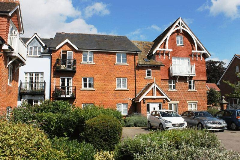 1 Bedroom Apartment Flat for sale in DORKING