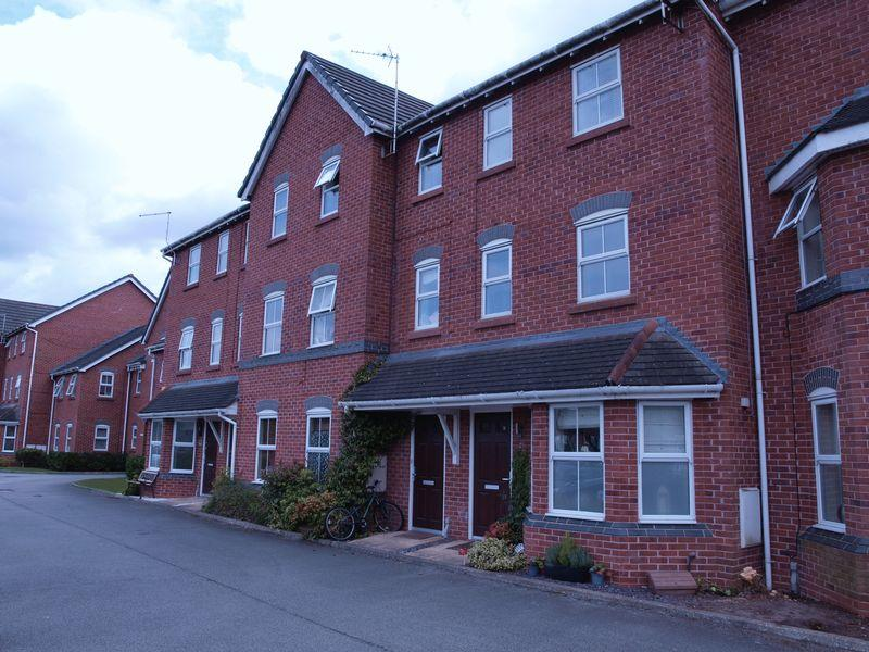 4 Bedrooms Terraced House for sale in Norley Place, Kingsmead, CW9 8TG