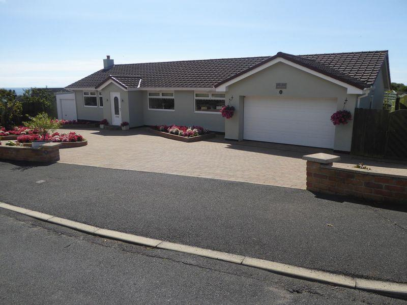 3 Bedrooms Detached Bungalow for sale in 31 Christeens Way, Ballakillowey, Colby