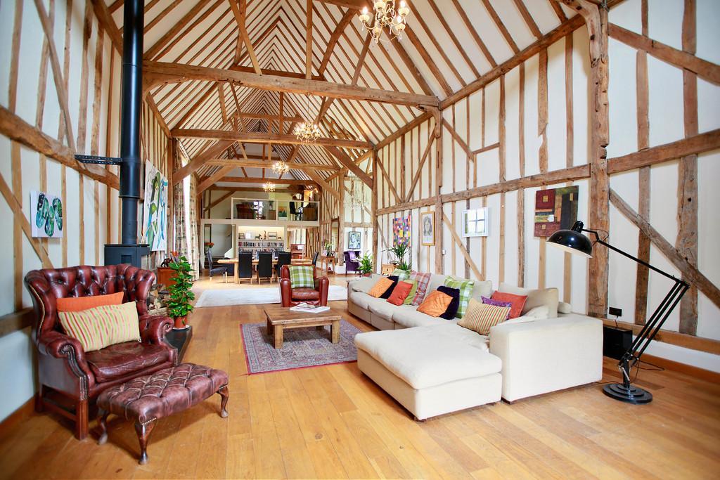 5 Bedrooms Detached House for sale in Generals Lane, Boreham, CM3 3HN