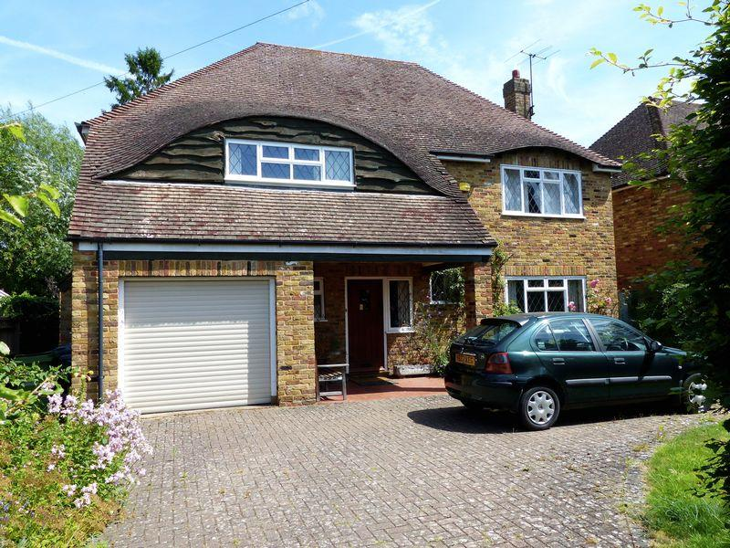 4 Bedrooms Detached House for sale in Bourne End-Abbotsbrook