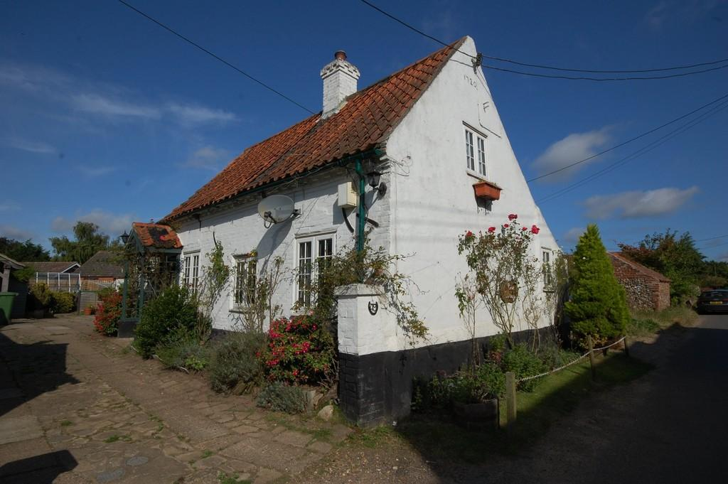2 Bedrooms Cottage House for sale in The Street, Barney