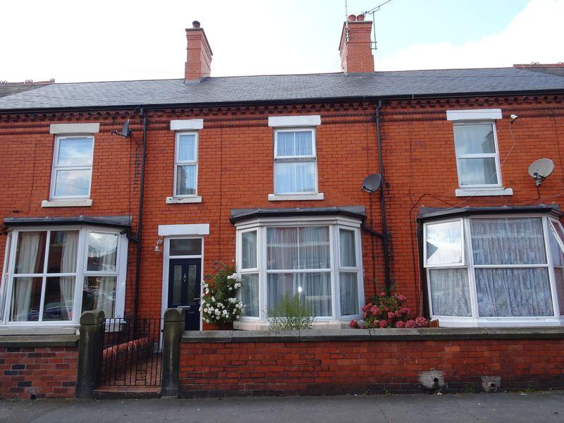 4 Bedrooms Terraced House for sale in Percy Road, Wrexham