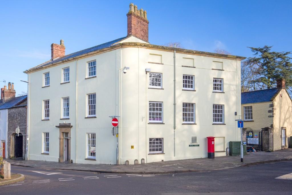 1 Bedroom Ground Flat for sale in High Street, Shepton Mallet