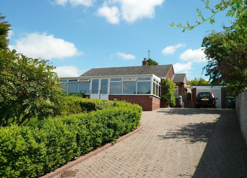 2 Bedrooms Bungalow for sale in Bread Street, WARMINSTER, BA12
