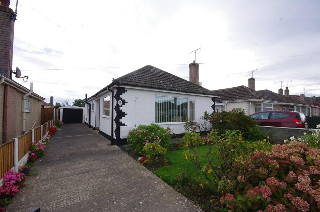 2 Bedrooms Detached Bungalow for sale in Salisbury Drive, Prestatyn