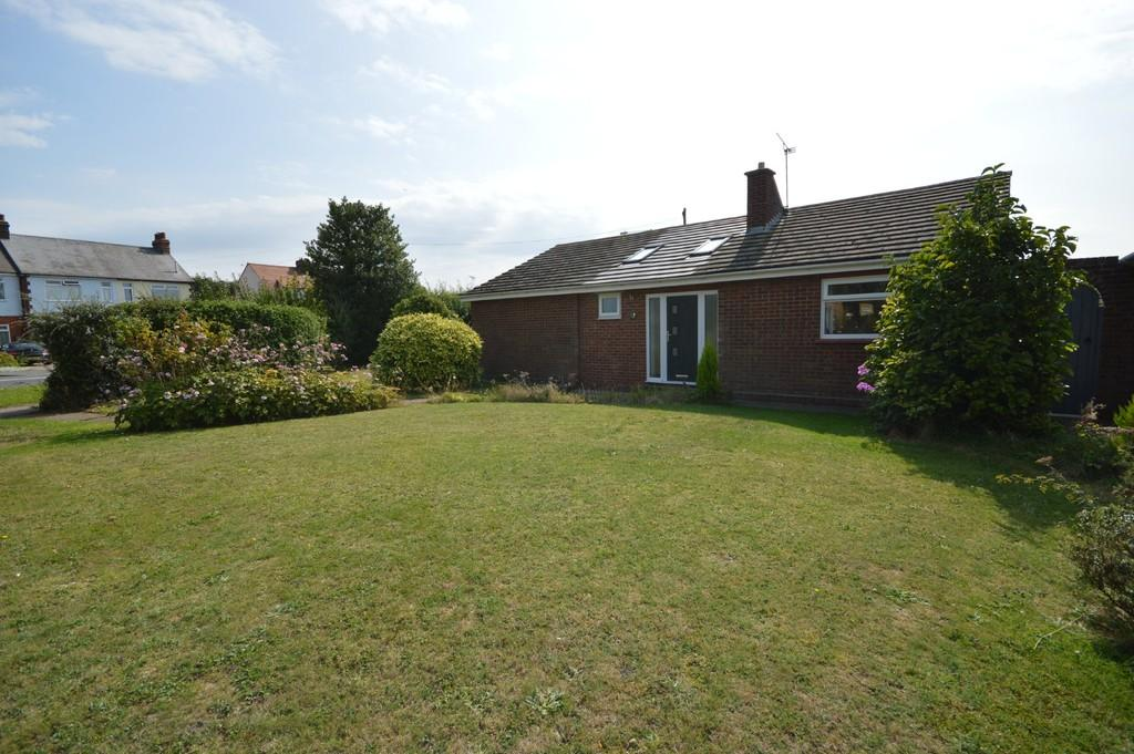 2 Bedrooms Detached Bungalow for sale in Anthony Close, St Johns