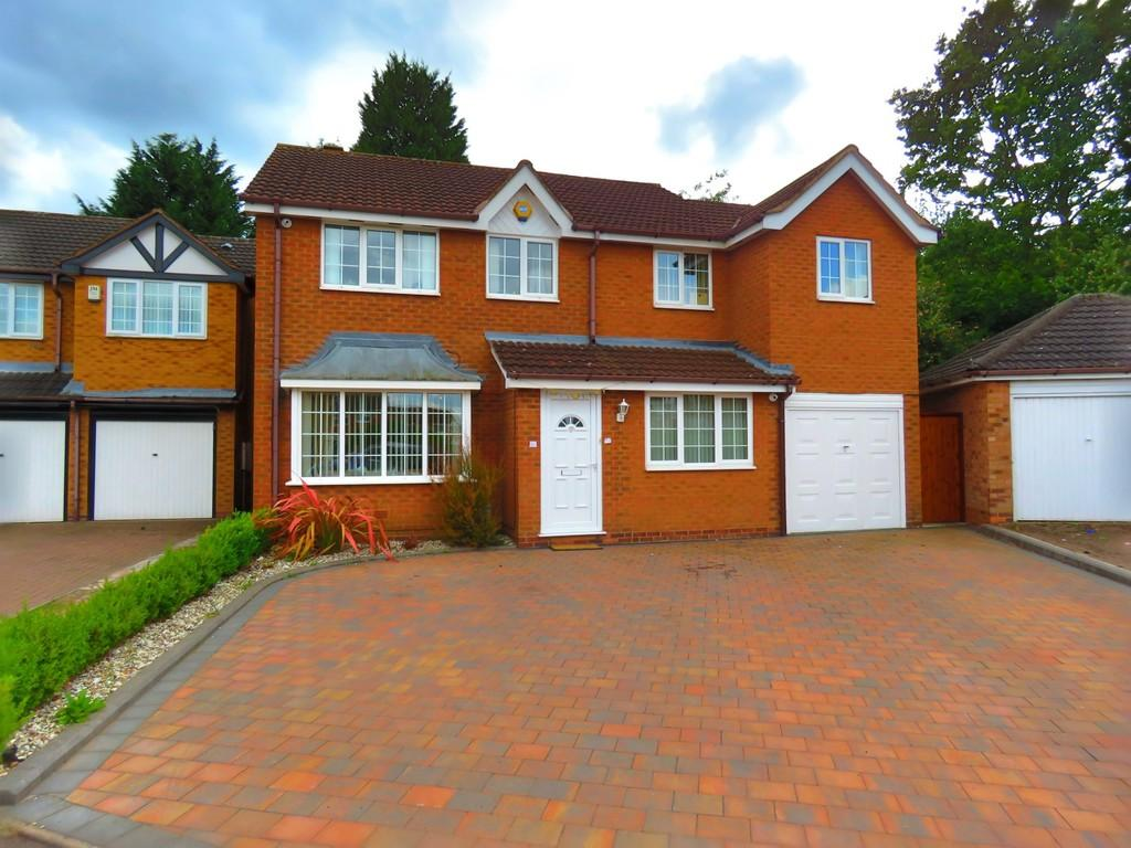 4 Bedrooms Detached House for sale in Oxford Drive, Acocks Green