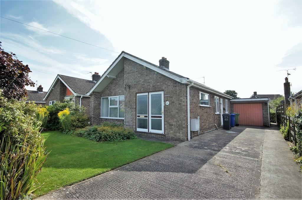 3 Bedrooms Detached Bungalow for sale in Manor Road, Saxilby, Lincoln