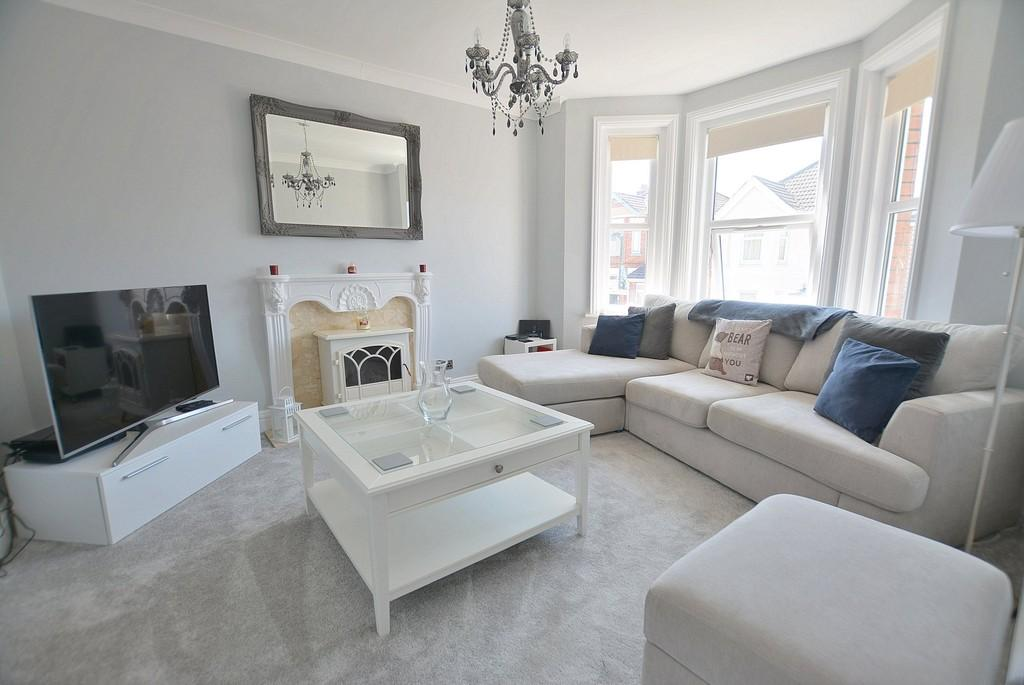 2 Bedrooms Apartment Flat for sale in Frampton Road, Bournemouth