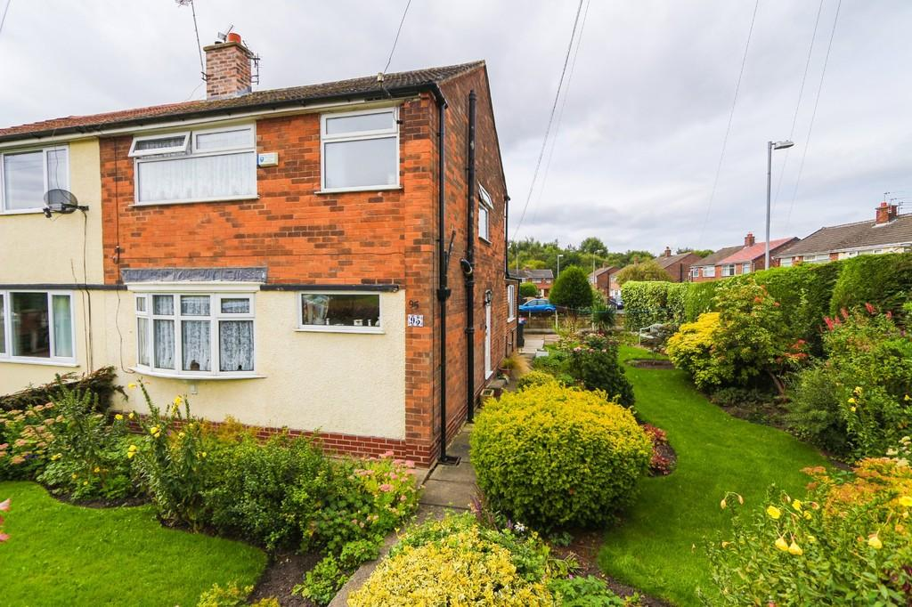 3 Bedrooms Semi Detached House for sale in 95 New Moss Road, Cadishead