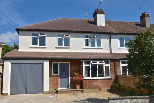 4 Bedrooms Semi Detached House for sale in Barnett Close, Leatherhead, KT22