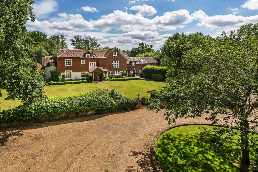 6 Bedrooms Detached House for sale in Chobham, Woking