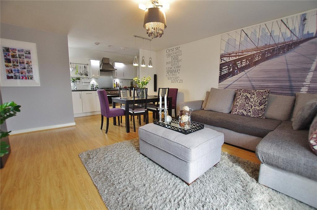 2 Bedrooms Apartment Flat for sale in Blake Court, 4 Dodd Road, Watford, Hertfordshire, WD24