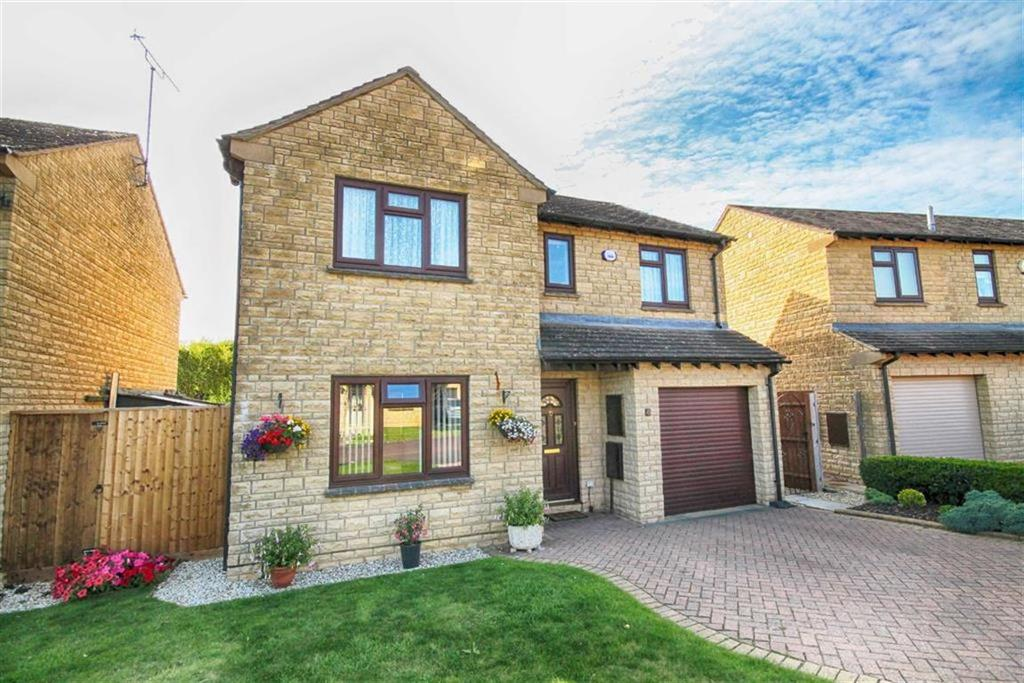 4 Bedrooms Detached House for sale in Willcox Drive, Woodmancote, Cheltenham, GL52