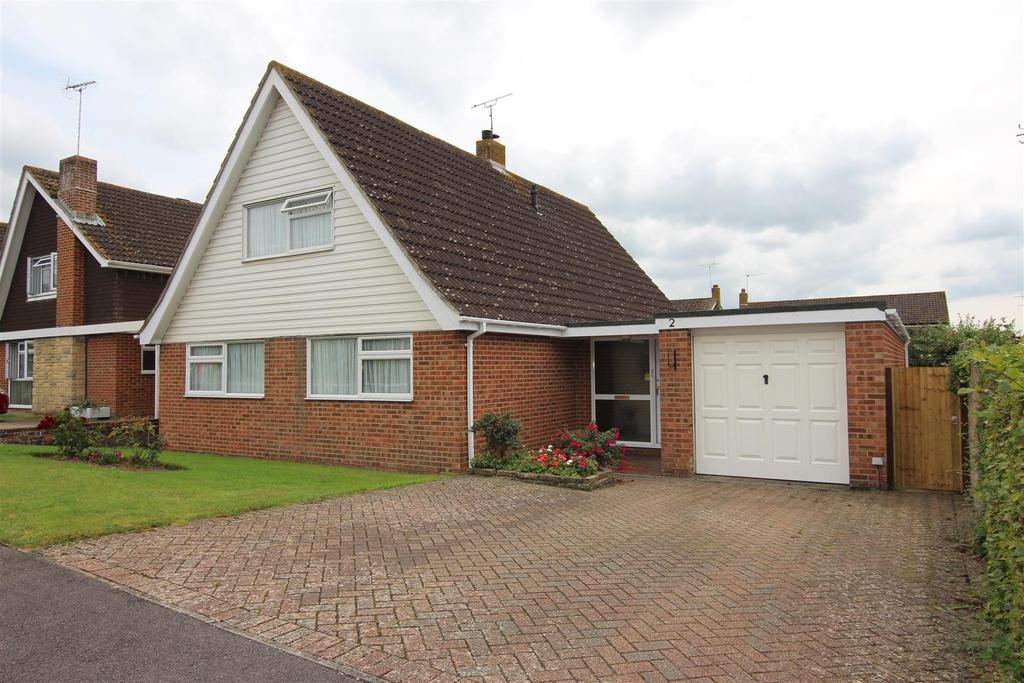 4 Bedrooms Chalet House for sale in Barkdale, Burgess Hill