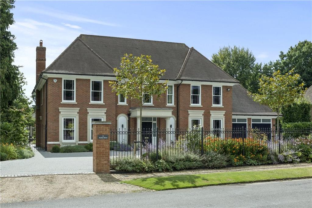 5 Bedrooms Detached House for sale in Ashley Drive, Walton-on-Thames, Surrey, KT12