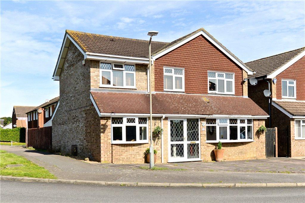 5 Bedrooms Detached House for sale in Lewis Close, Newport Pagnell, Buckinghamshire