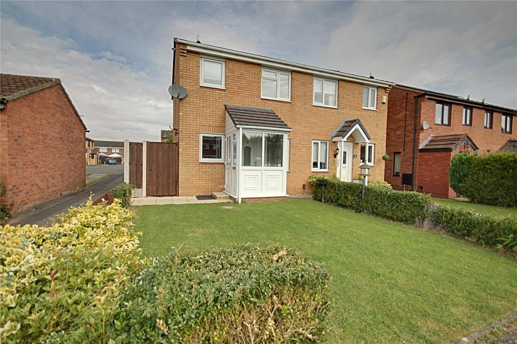 3 Bedrooms Semi Detached House for sale in Mayes Walk, Yarm