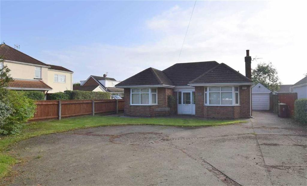 3 Bedrooms Bungalow for sale in Church Avenue, Humberston, North East Lincolnshire