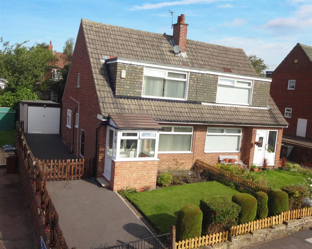 3 Bedrooms Semi Detached House for sale in St. Anns Rise, Burley