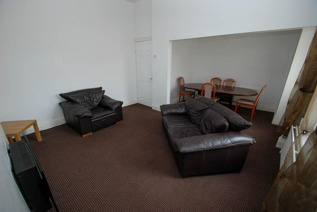 2 Bedrooms Flat for sale in Imeary Street, South Shields