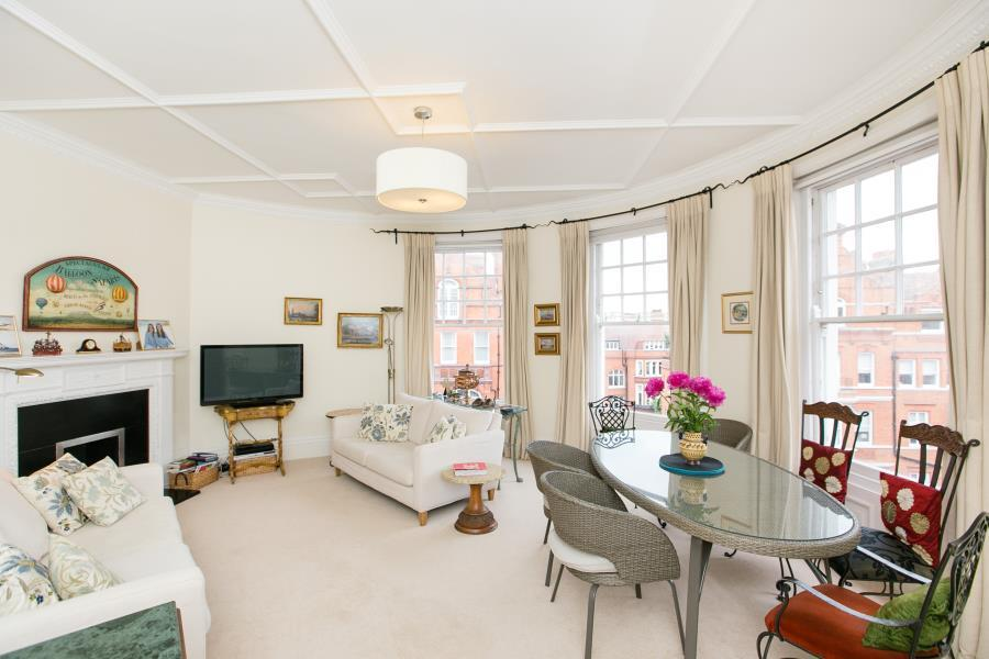 3 Bedrooms Flat for sale in Cadogan Gardens, Chelsea SW3