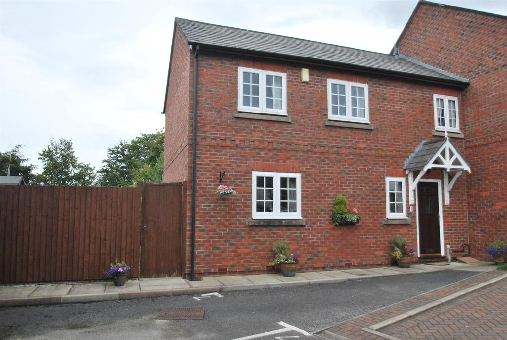 3 Bedrooms Town House for sale in Alexandra Mews, High Street, Frodsham