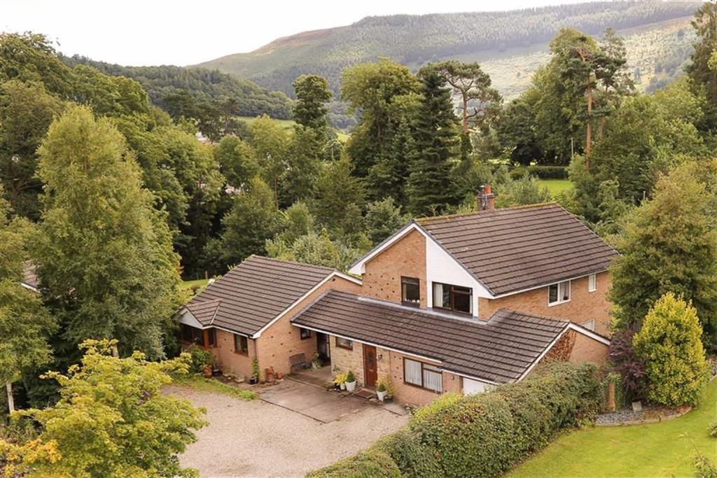 6 Bedrooms Detached House for sale in Maes Bache, Grange Road, Llangollen, LL20