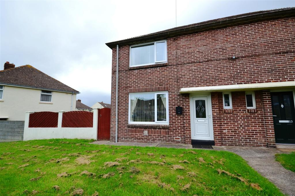2 Bedrooms Semi Detached House for sale in Hakin, Milford Haven