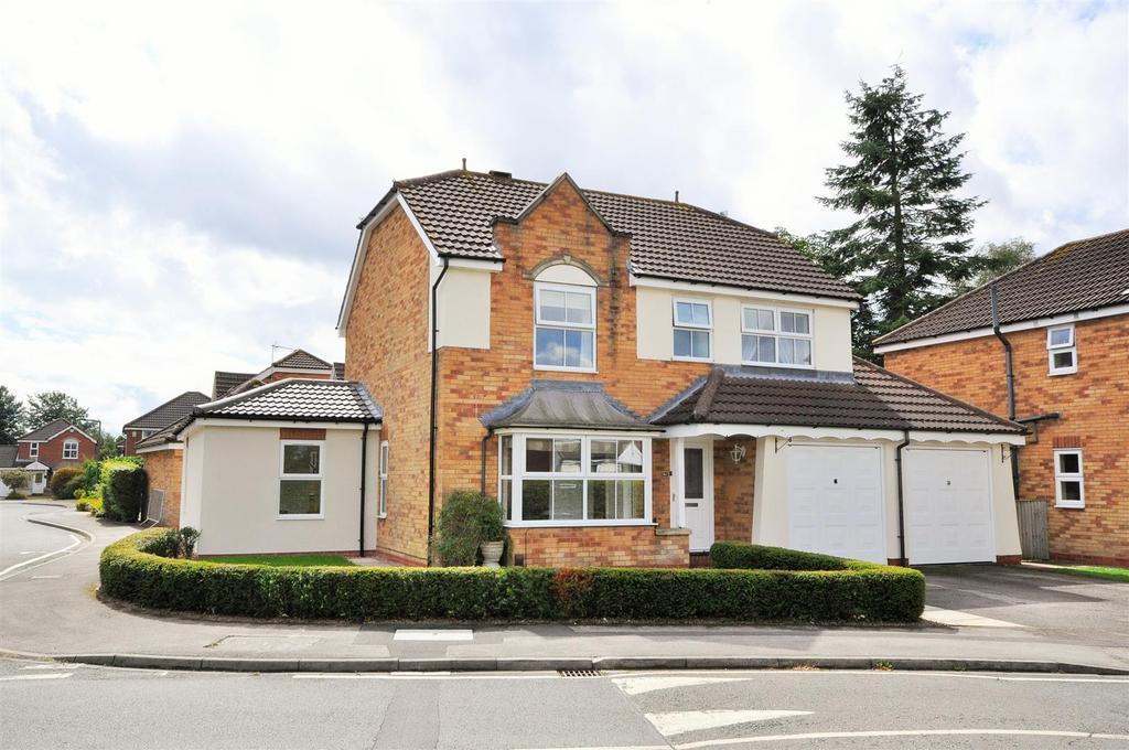 4 Bedrooms Detached House for sale in Millfield Gardens, Nether Poppleton, York