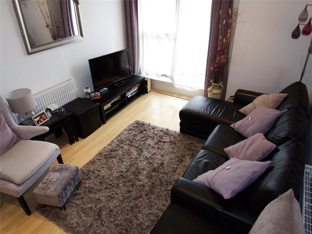 1 Bedroom Flat for sale in Cromwell Court, Brewery Wharf, Bowman Lane, Leeds, West Yorkshire, LS10