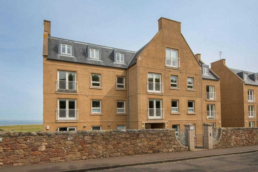 2 Bedrooms Flat for sale in 11 Hamilton Court, North Berwick, East Lothian, EH39 4LW