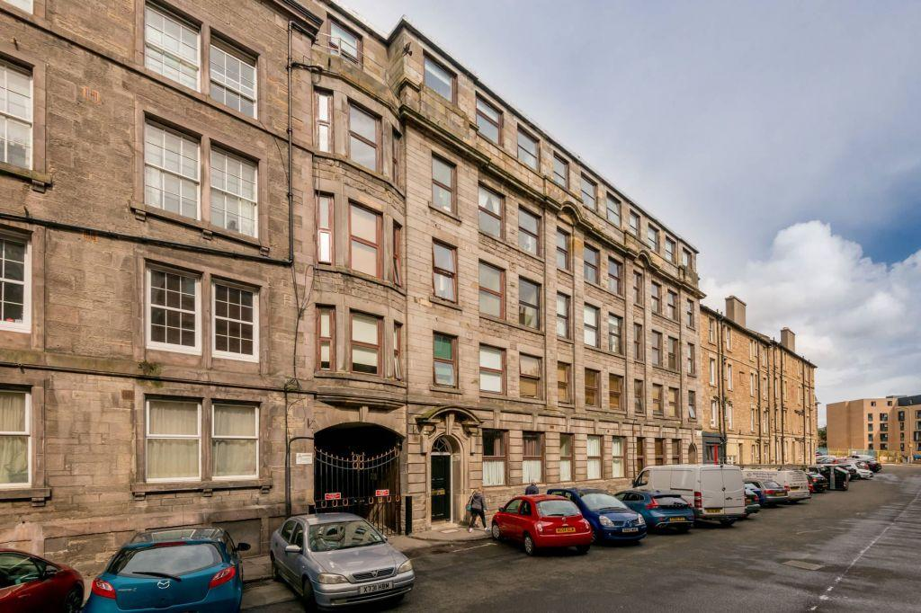 1 Bedroom Flat for sale in 2/23 Bothwell House, Bothwell Street, Edinburgh, EH7 5YL
