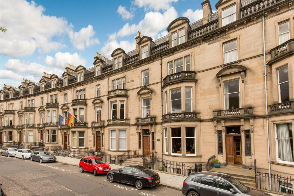 5 Bedrooms Maisonette Flat for sale in 14 2F Eglinton Crescent, Edinburgh, EH12 5DD