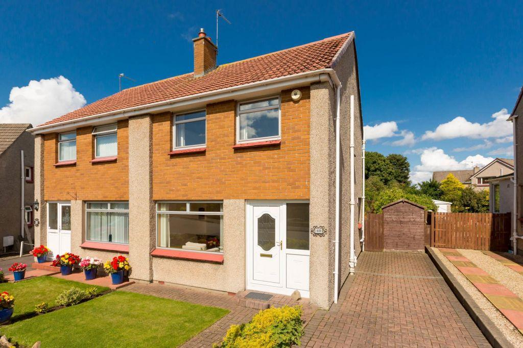 3 Bedrooms Semi Detached House for sale in 49 Corslet Road, Currie, Edinburgh, EH14 5LZ